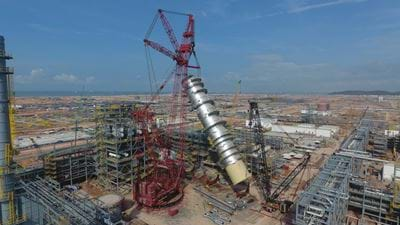 Record-breaking column erected by PETRONAS