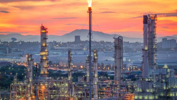 Overcoming CDU Challenges - Features - The Chemical Engineer