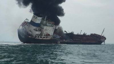 Oil tanker fire off the coast of Hong Kong kills one