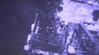 Workers start to remove Fukushima fuel rods