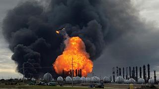 New evacuation a week after Texas chemical plant explosion